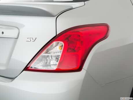 2019 Nissan Versa Penger Side Taillight