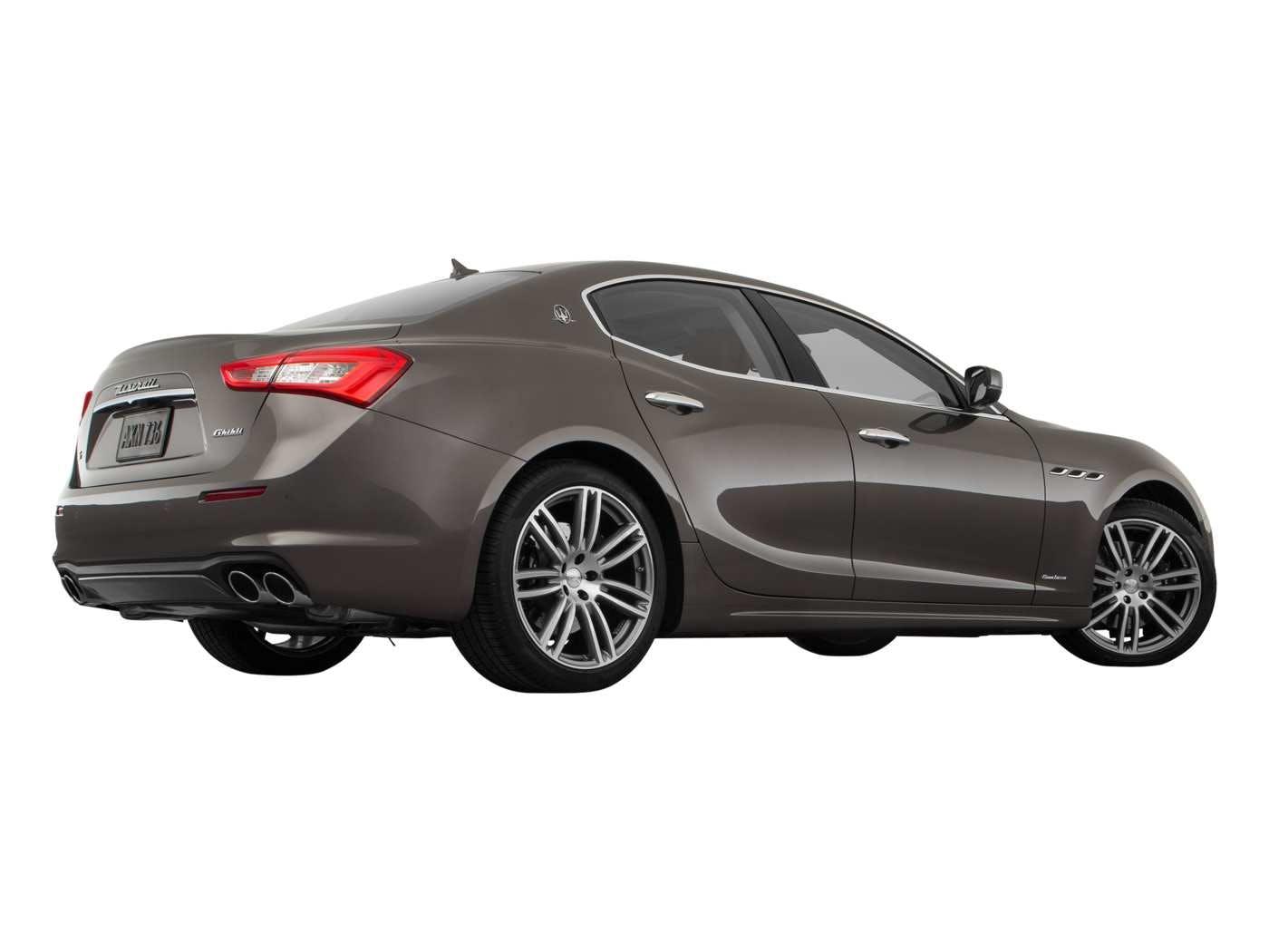 2019 Maserati Ghibli Exterior Back Low Wide View 2