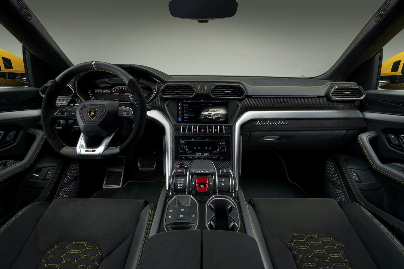 2019 Lamborghini Urus Comparisons, Reviews \u0026 Pictures