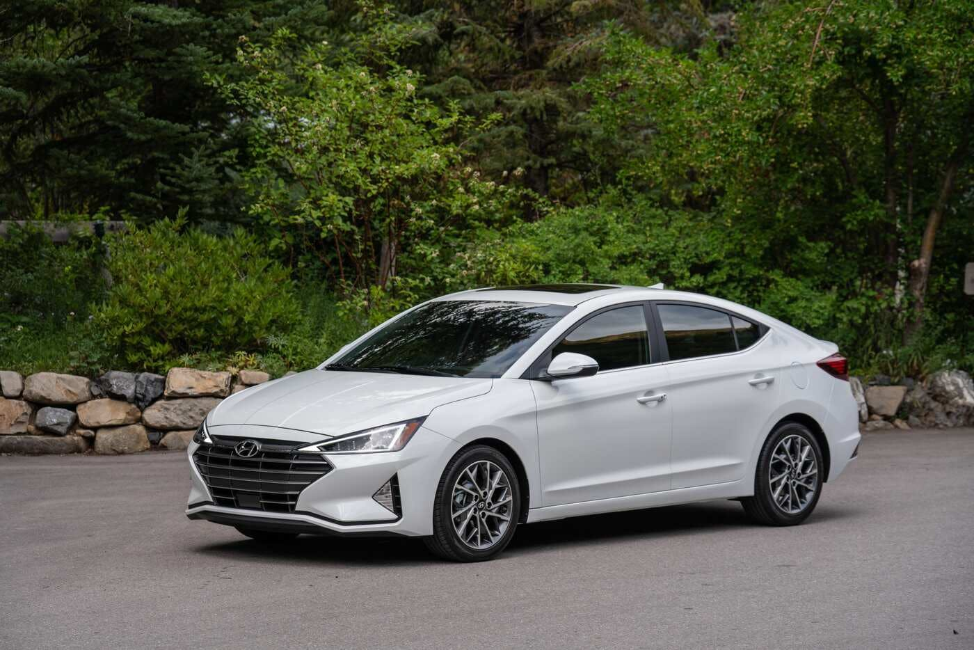 2020 Hyundai Elantra Research New