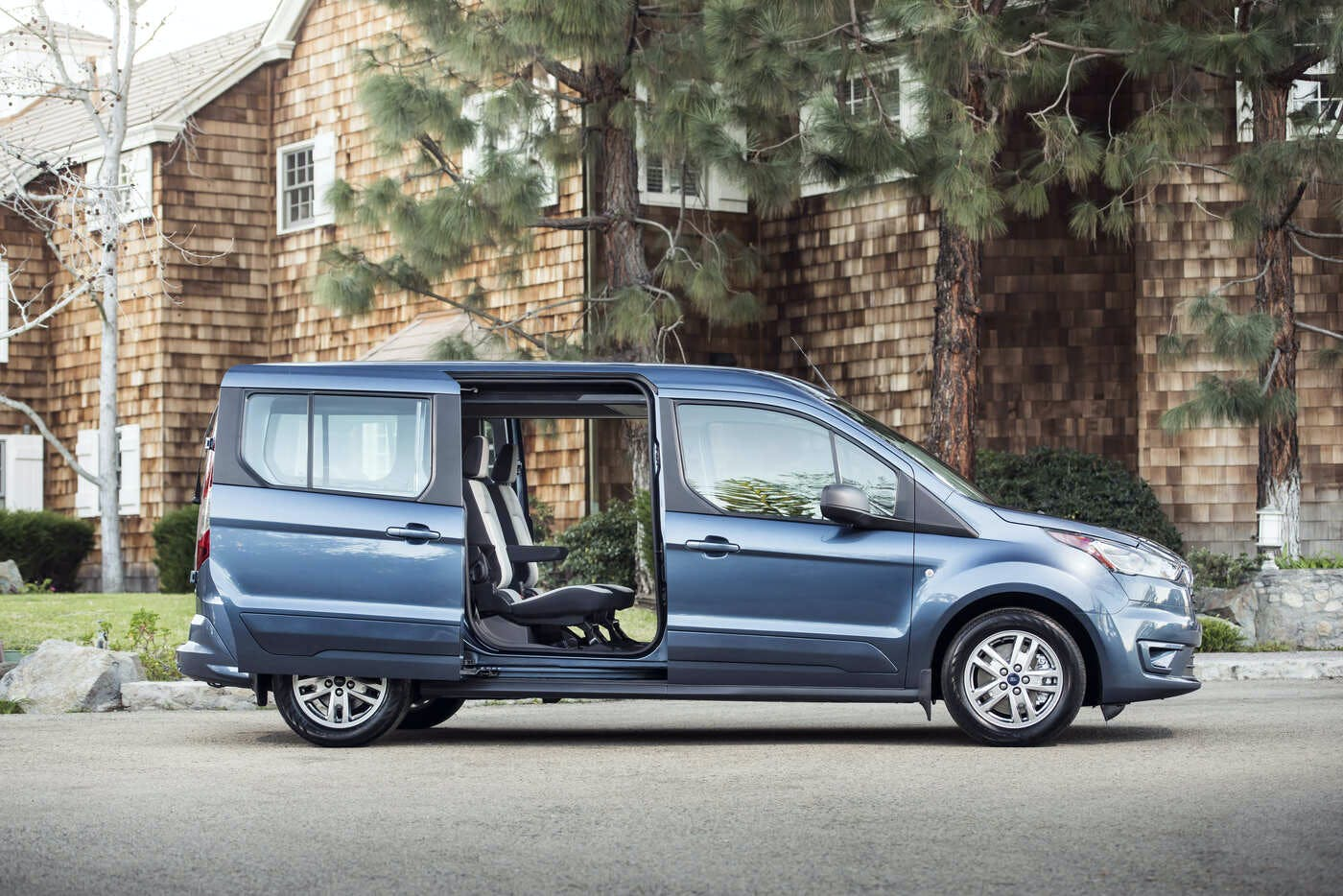 2020 ford transit connect wagon reviews pricing pictures truecar 2020 ford transit connect wagon reviews