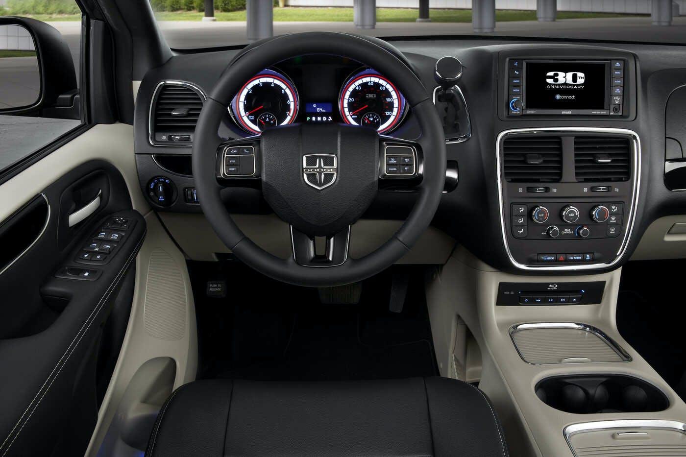 2020 Dodge Grand Caravan Reviews Pricing Pictures Truecar