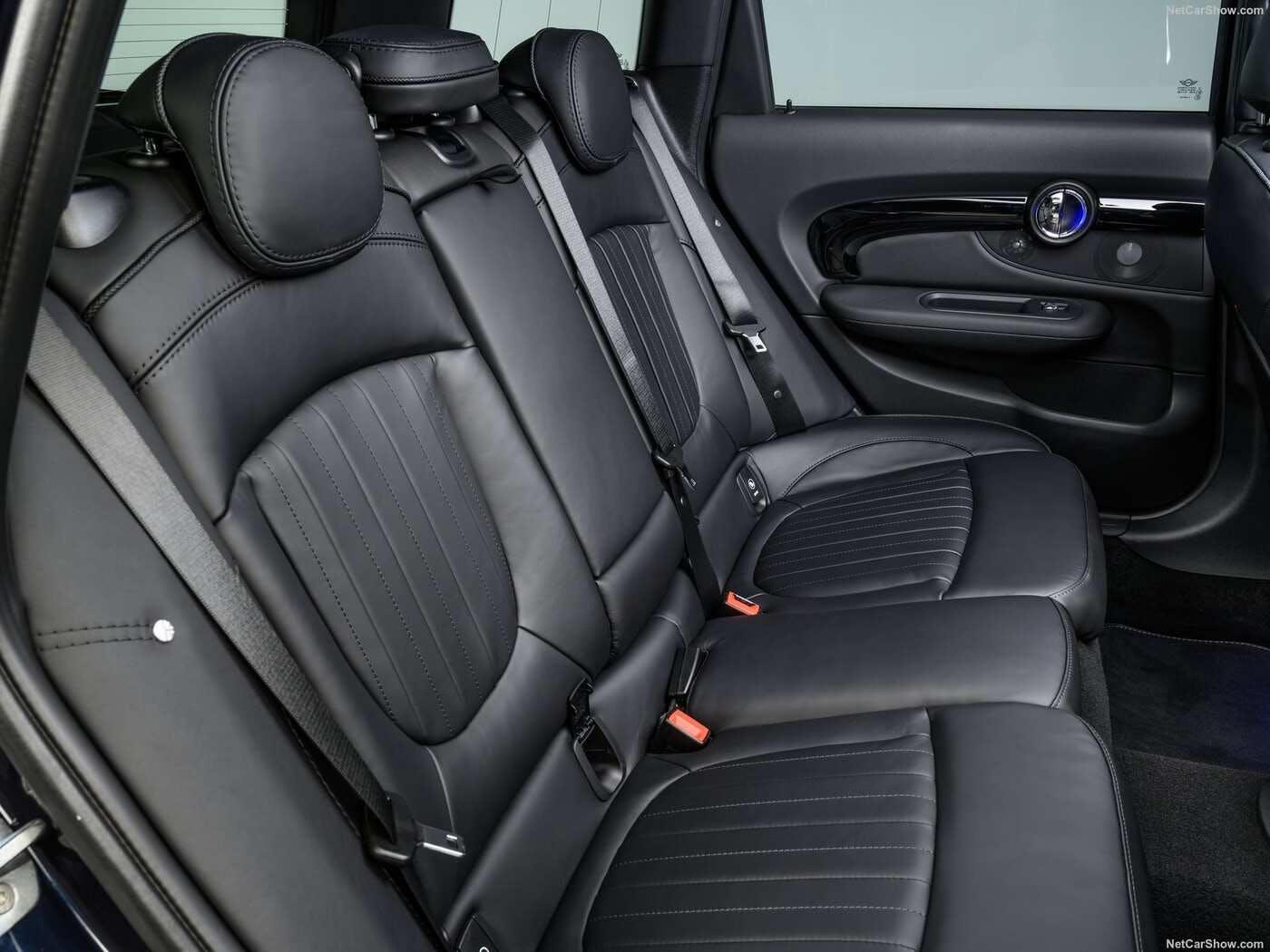 RENAULT CLIO WILLIAMS METAL KEY RING CHOOSE YOUR CAR COLOUR.