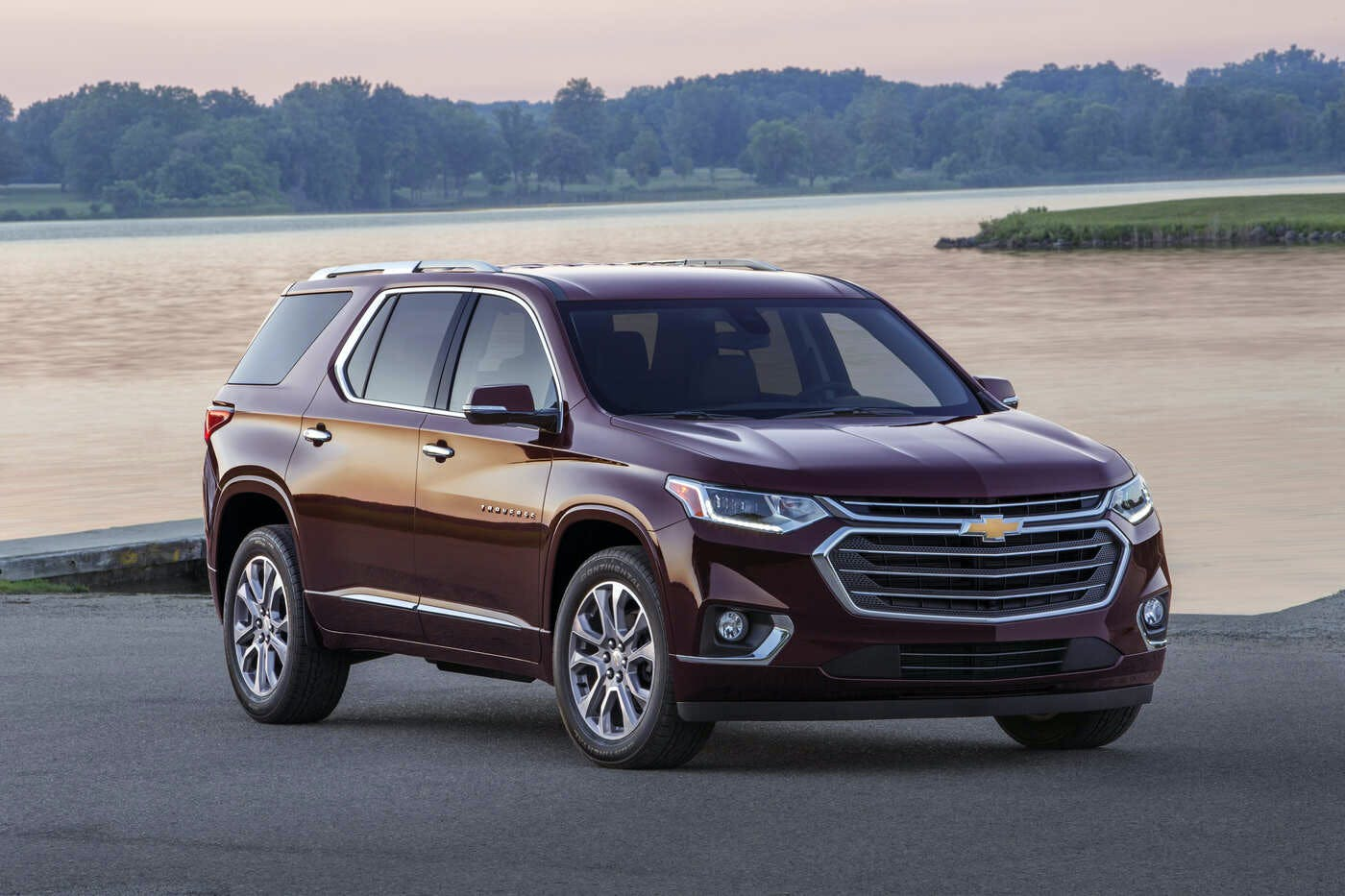 2020 Chevy Traverse Redesign Price And Release Date >> 2020 Chevrolet Traverse Comparisons Reviews Pictures